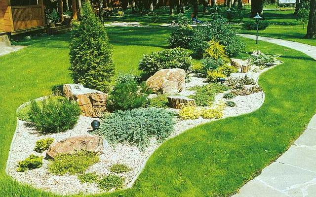 Благоустройство и озеленение участка